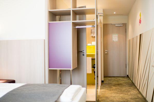 business-room_3.jpg
